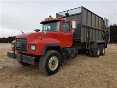 2000 Mack RD688S T/A Manure Truck