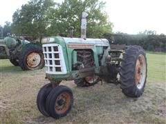 Oliver 770 2WD Narrow Front Tractor