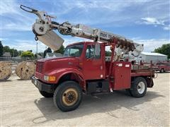 1995 International 4800 4x4 S/A Digger Derrick Truck