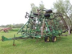 John Deere 960 3-Section Field Cultivator W/3-Row Leveler