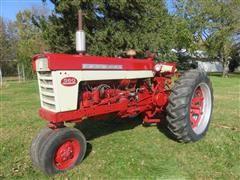 1961 Farmall 560 2WD Tractor