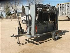Moly MFG Silencer Hydraulic Portable Cattle Chute
