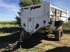 Roto-Mix 420-12 Portable Mixer Wagon