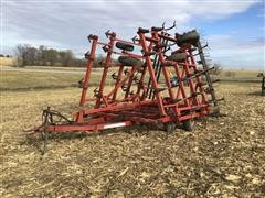 Case IH 4300 Field Cultivator