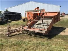Allis-Chalmers 66 All Crop Pull Type Combine