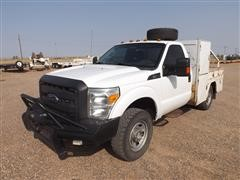 2015 Ford F350 Heavy Duty 4x4 Utility Truck