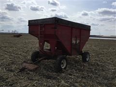 Lundell 1670 Grain Cart