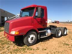 1999 Volvo VNM64T T/A Day Cab Truck Tractor