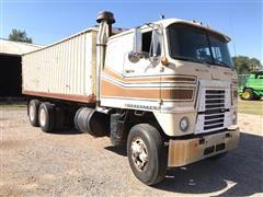 1970 International COF4070A T/A Cabover Grain Truck