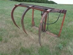 Farmhand F11 3-Tine Grapple W/8 Manure Tines