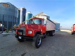 1987 Mack DM686S T/A Grain Truck