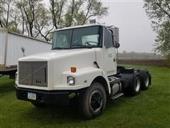1993 White GMC WG64T T/A Truck Tractor