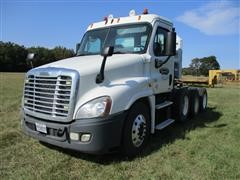2012 Freightliner Cascadia 125 T/A Day Cab Truck Tractor