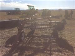 Hesston 3820 Pull-Type Side Delivery Rake