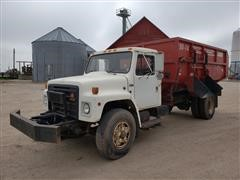 1988 International 1754 Feed Truck