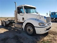 2009 Freightliner Columbia T/A Truck Tractor W/Wet Kit