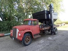 1970 International 1600 S/A Seed Tender Truck