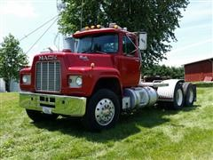 1986 Mack R688ST T/A Truck Tractor