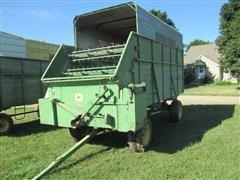 John Deere 125 Forage Wagon