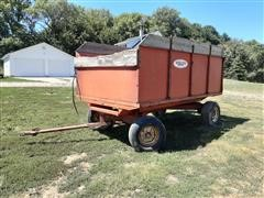 Stan-Hoist Grain/Forage Wagon