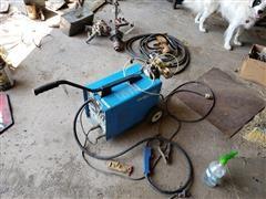 Clark Turbo Weld 150 EN Mig Welder