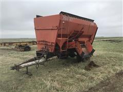Oswalt 320 Feed Wagon