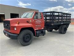 1987 Ford F700 Flatbed Truck