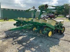 John Deere 7000 12-Row Planter