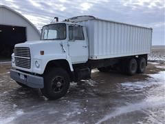 1979 Ford LNT 8000 Grain Truck