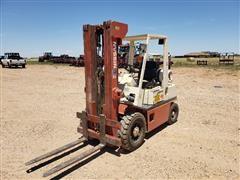 Nissan 40 Forklift