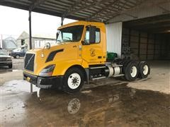 2012 Volvo D13 T/A Day Cab Truck
