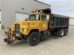 1990 Mack RD690S T/A Dump Truck
