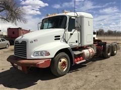 2009 Mack Pinnacle CXU613 T/A Truck Tractor