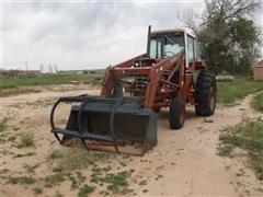 1980 International 1086 2WD Tractor W/Loader