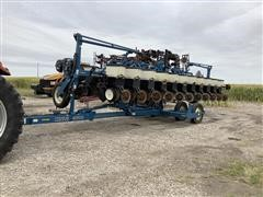 2001 Kinze 3600 12/23 Interplant Planter
