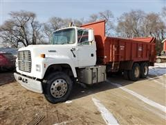 1995 Ford LT900 T/A 20 Ton Manure Spreader Truck