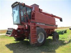 1994 Case International 1688 2WD Combine