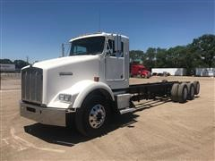 2004 Kenworth T800 Tri/A Cab & Chassis