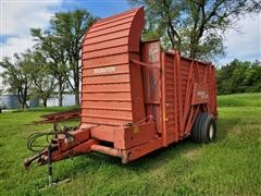Hesston StakHand 30A Hay Stacker