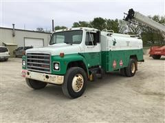 1986 International 1954 S/A Fuel Truck
