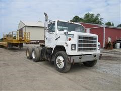 1988 International F2275 Truck Tractor