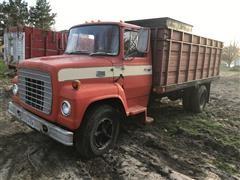 1973 Ford LN700 Grain Truck