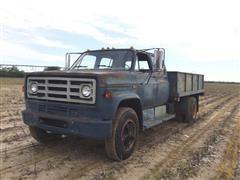1982 GMC 6000 Crew Cab Flatbed Truck