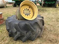 John Deere 9770 Wheels & 900/65 R 32 Tire