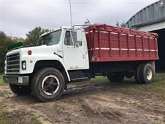 1983 International 1954 S/A Grain Truck