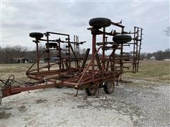 International 4500 Vibrashank Field Cultivator