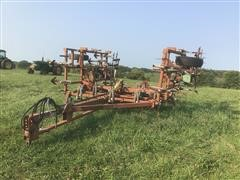 Wil-Rich Field Cultivator