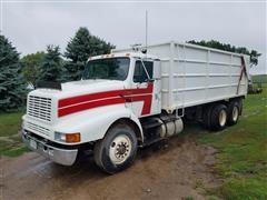 1992 International 8200 T/A Silage & Grain Truck