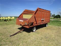 Farm Hand Feeder Wagon