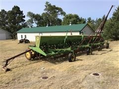 John Deere LZ812 4-Section Hoe Drill